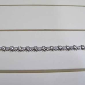 9ct White Gold Diamond Heart & Kisses Bracelet