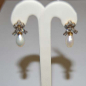 Secondhand Gold Pearl Drop Earrings