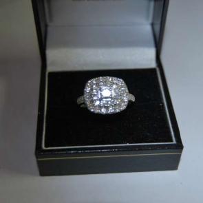Secondhand Platinum Diamond Cluster Ring