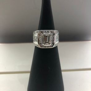14ct White Gold Diamond Emerald Cut & Baguette Ring
