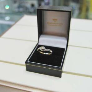 18ct Bi-colour Gold Diamond Cross Over Ring