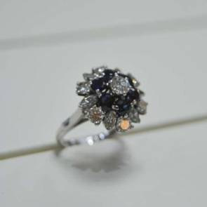 18ct White Gold Vintage Diamond & Sapphire Cluster Ring