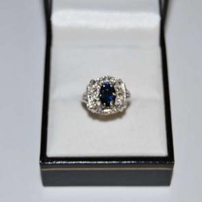 Secondhand Vintage Platinum Sapphire & Diamond Ring