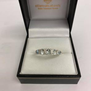 Secondhand 9ct Gold Aquamarine & Diamond Ring