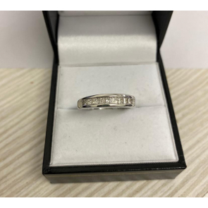 Secondhand 18ct White Gold Princess Cut Eternity Ring